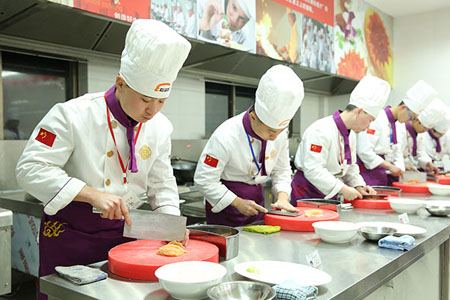 重庆新东方烹饪学校周末班学费多少